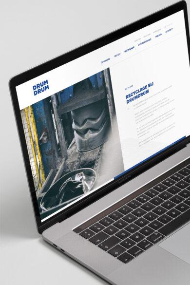 Drumdrum Macbook Pro 2019 Side v1 lores
