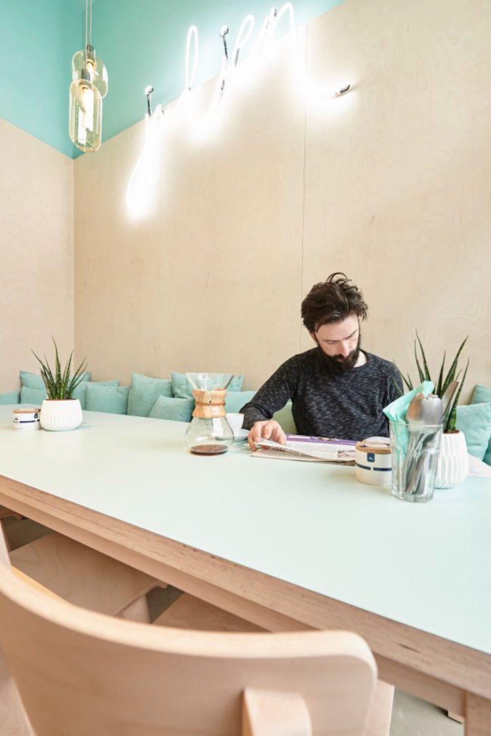 Bar julien roeselare klant tafel af16789 thumb